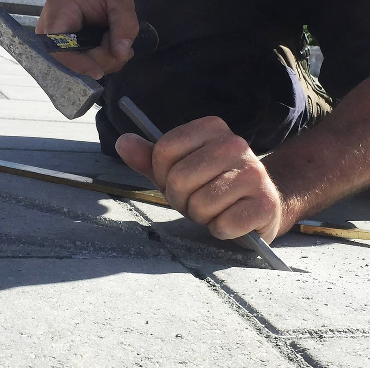 Trow and Holden lettering chisel