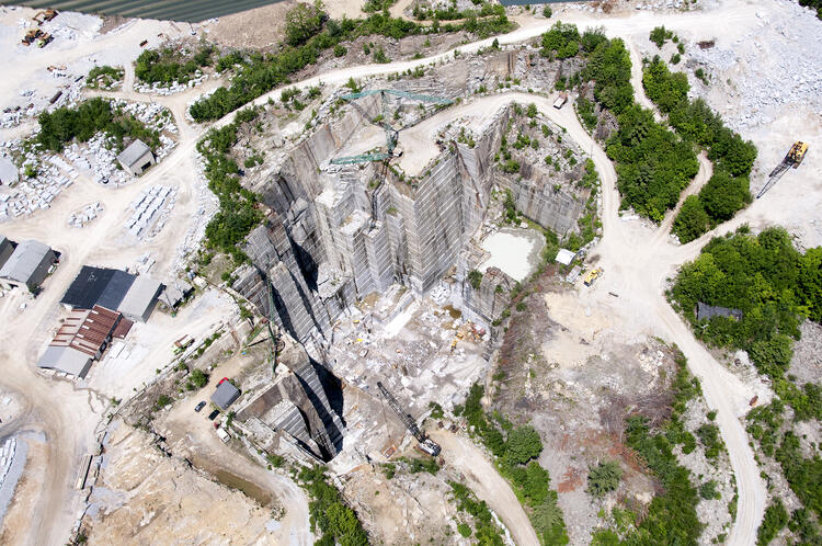 Swenson Granite Works Concord Gray granite quarried from Rattlesnake Hill in New Hampshire