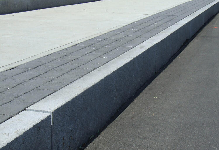 10 Technical Advantages Of Using Granite Curbing For Your
