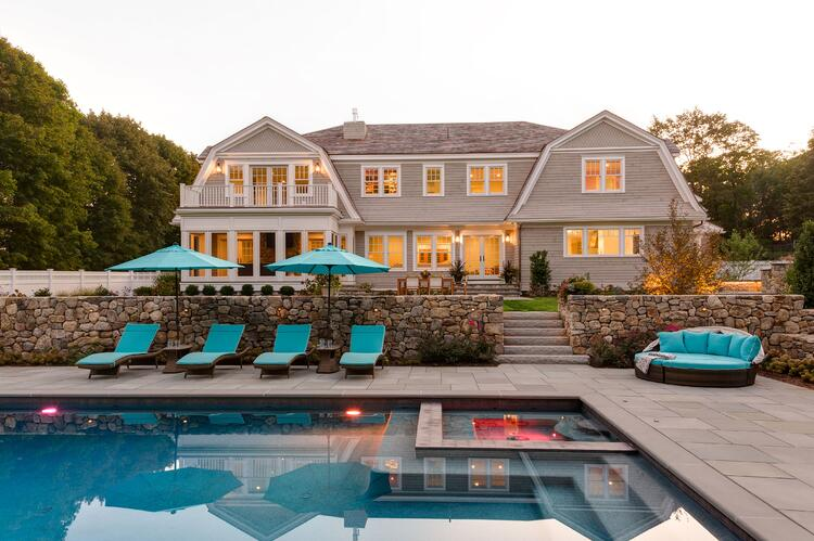10 Outdoor Living Essentials For The Ultimate Summer Pool