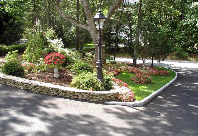 Woodbury Gray granite driveway edging