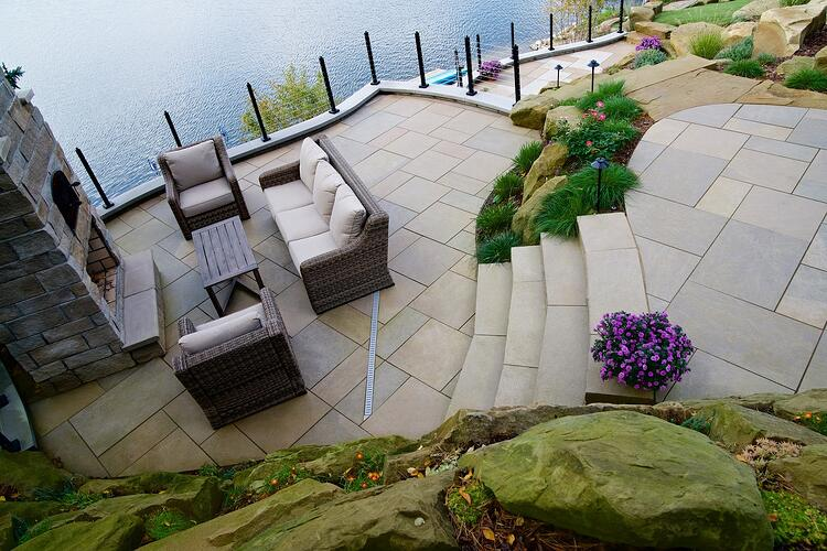 Swenson Granite Works' Indiana Limestone pavers