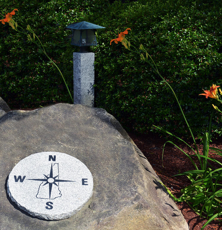 woodbury gray_NH compass w low profile lamp post