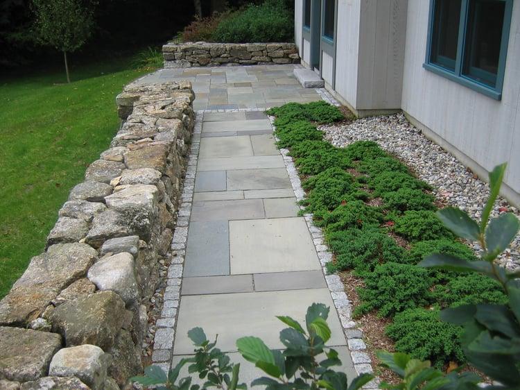 Bluestone pavers and gray granite cobblestones walkway
