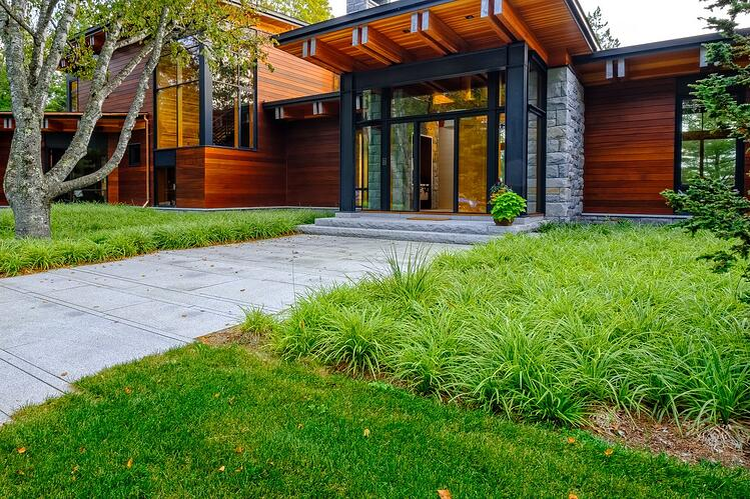 Swenson Woodbury Gray granite paver walkway and Woodbury Gray granite thermal top, rock face steps