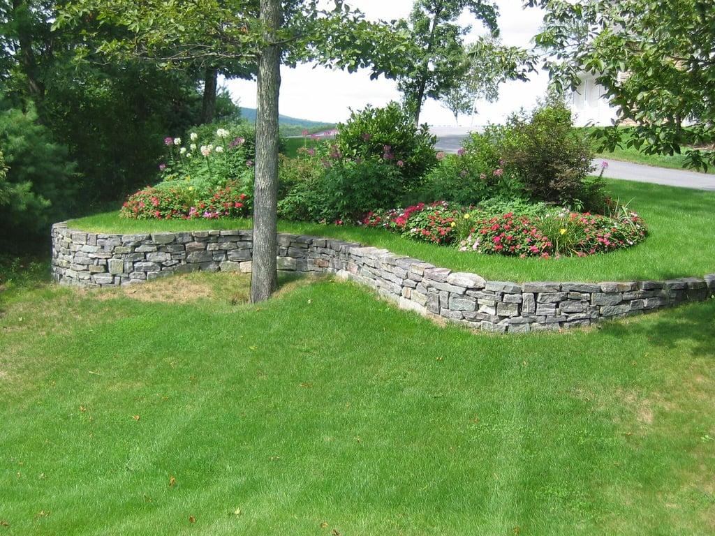 Saratoga Wallstone Retaining Wall