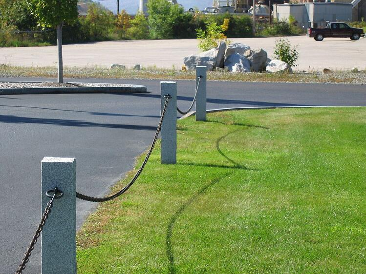 Woodbury Gray Granite driveway fence