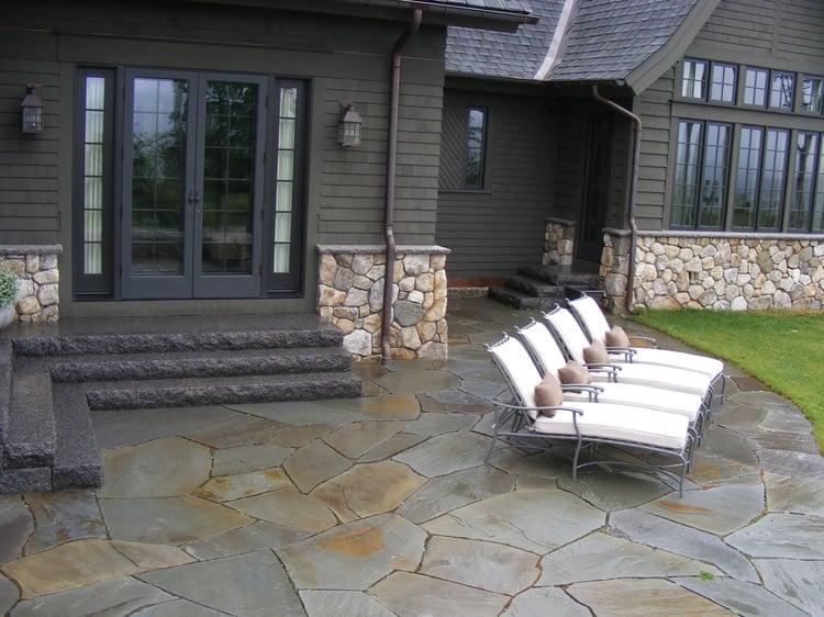 Irregular bluestone patio