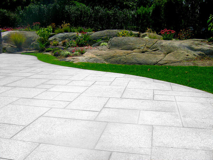 Woodbury Gray granite patio