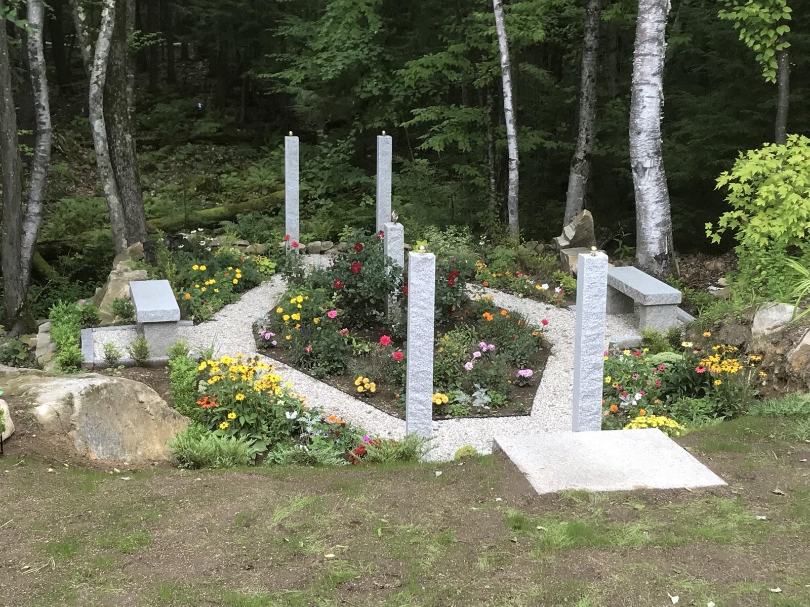 Woodbury Gray™ granite classic rectangular benches