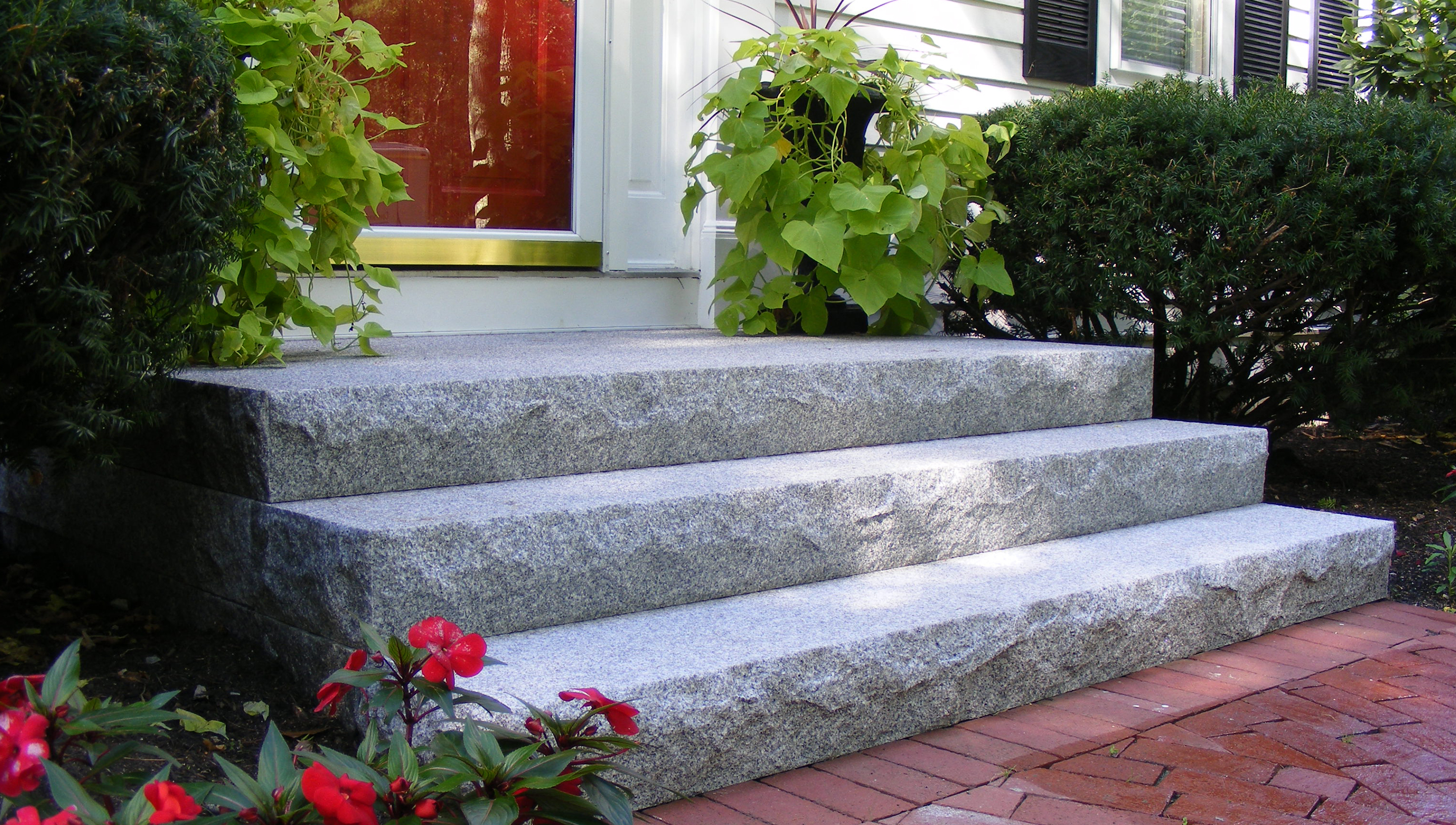 8 Ways To Add Curb Appeal To Your Home With Granite And