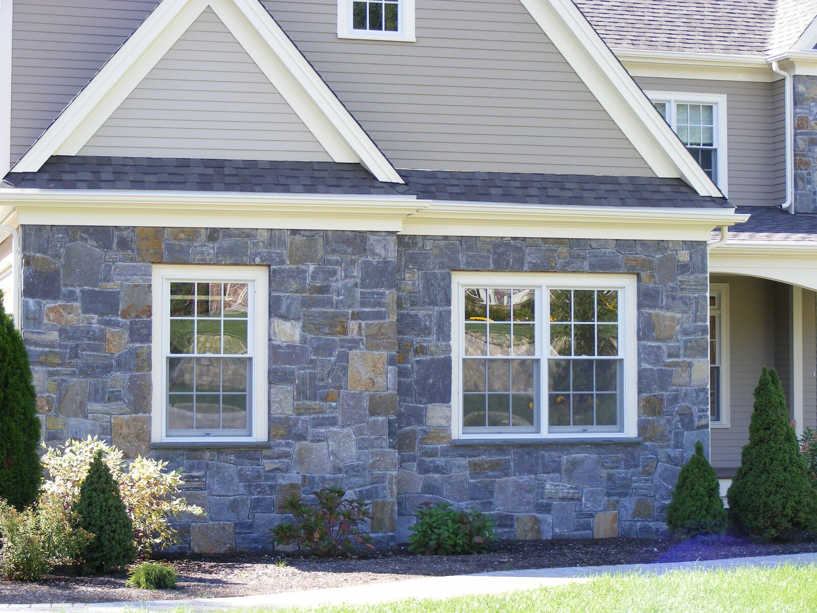 6 Ways To Upgrade Your Home S Exterior With Stone Veneer